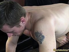 Straight amateur dude gets his ass toyed