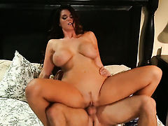 Alison Tyler shows her love for sperm in crazy cumshot action