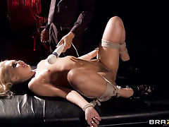Keni Styles has fantastic sex with Aaliyah Love